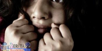 Termakan Rayuan Gombal, Seorang Siswi SMP Disetubuhi di Gubuk Kebun Sawit