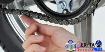 Jangan Biarkan Rantai Sepeda Motor Anda Kendur, Bisa Mengakibatkan Borosnya Bensin, Benarkah?