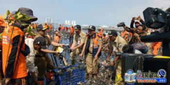 Lautan Sampah di Muara Angke Merusak Lahan Mangrove, Gubernur Anies Targetkan Pembersihan Dalam Seminggu