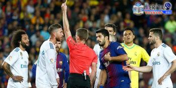 Terkapar Cedera, Sergio Ramoz Tuding Suarez Hanya Akting di Lapangan