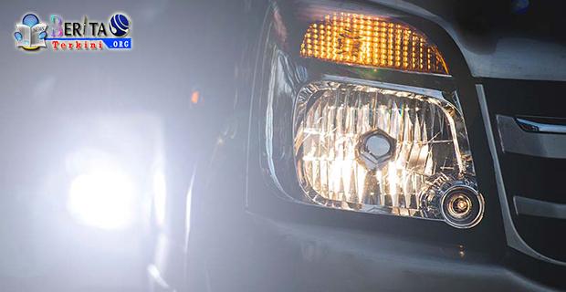 Pelanggaran! Pasang Lampu Sorot Motor Dan Mobil Terlalu Terang Bakal di Pidana 2 Bulan