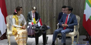 Jokowi Bahas Rohingya Saat Bertemu Aung San Suu Kyi