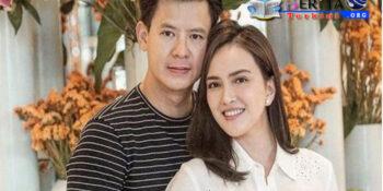 Foto Pakai Bikini dan Digendong Suami di Kolam Renang, Postingan Shandy Aulia Jadi Sorotan