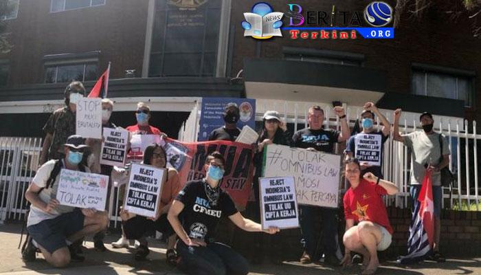 Solidaritas! Kaum Buruh Australia Gelar Aksi Tolak UU Cipta Kerja